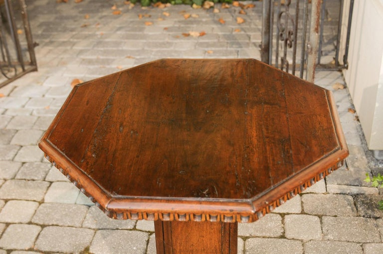 Pair of Italian 1850s Walnut Octagonal Pedestal Carved Tables with Single Door For Sale 8
