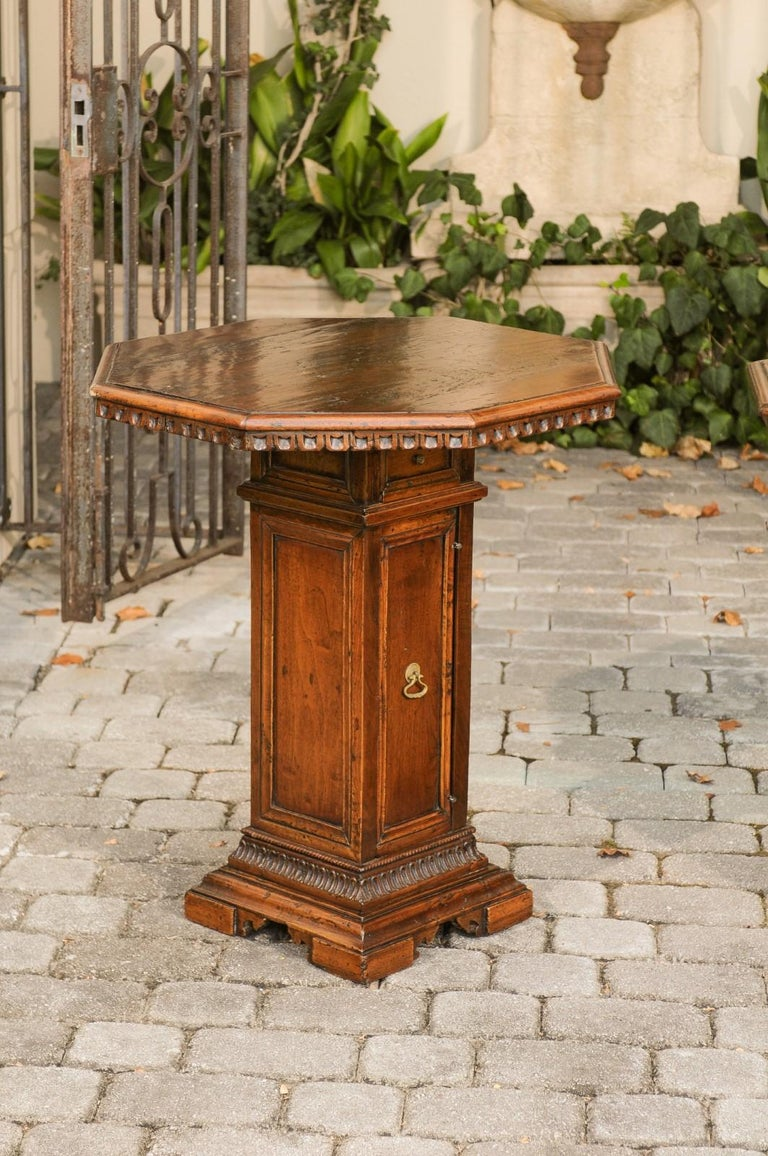 Pair of Italian 1850s Walnut Octagonal Pedestal Carved Tables with Single Door In Good Condition For Sale In Atlanta, GA