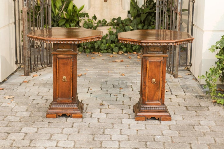 Pair of Italian 1850s Walnut Octagonal Pedestal Carved Tables with Single Door For Sale 1