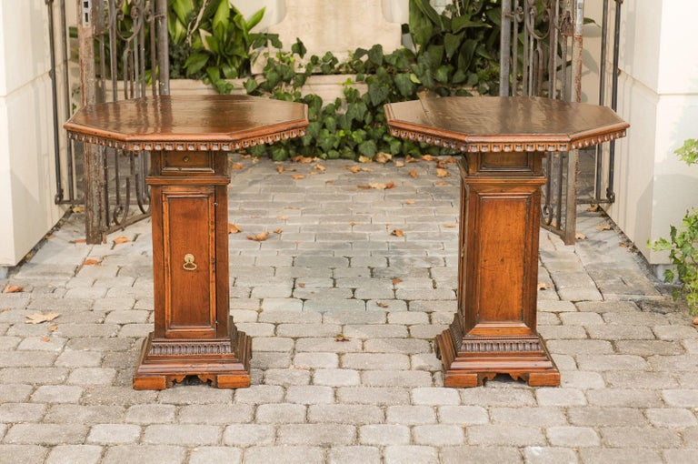 Pair of Italian 1850s Walnut Octagonal Pedestal Carved Tables with Single Door For Sale 5