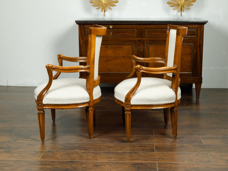 Pair of Italian 1860s Walnut Armchairs with Tapered Legs and New Upholstery For Sale 1