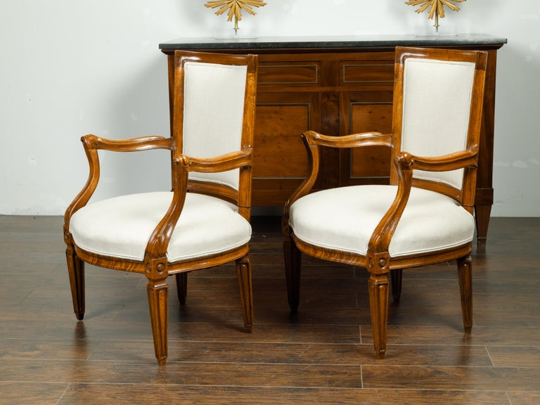 Pair of Italian 1860s Walnut Armchairs with Tapered Legs and New Upholstery For Sale 2