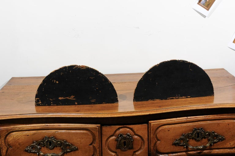 Pair of Italian 1870s Carved Wall Brackets with Gold and Black Painted Accents For Sale 5
