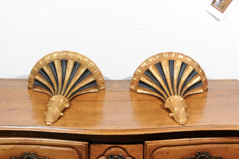 Pair of Italian 1870s Carved Wall Brackets with Gold and Black Painted Accents For Sale 6