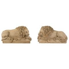 Pair of Italian 18th Century Louis XVI Period White Carrara Marble Lions