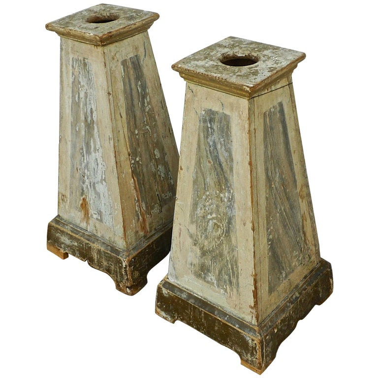 Pair of Italian 18th Century Painted Wood Pedestals For Sale