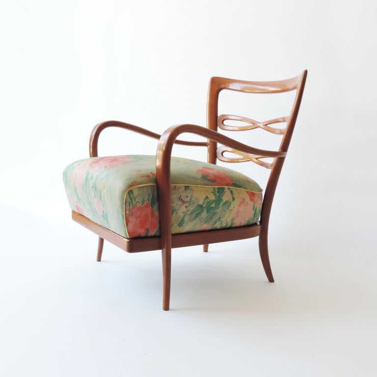 Pair of Italian 1940s Cherry Wood Armchairs For Sale 3
