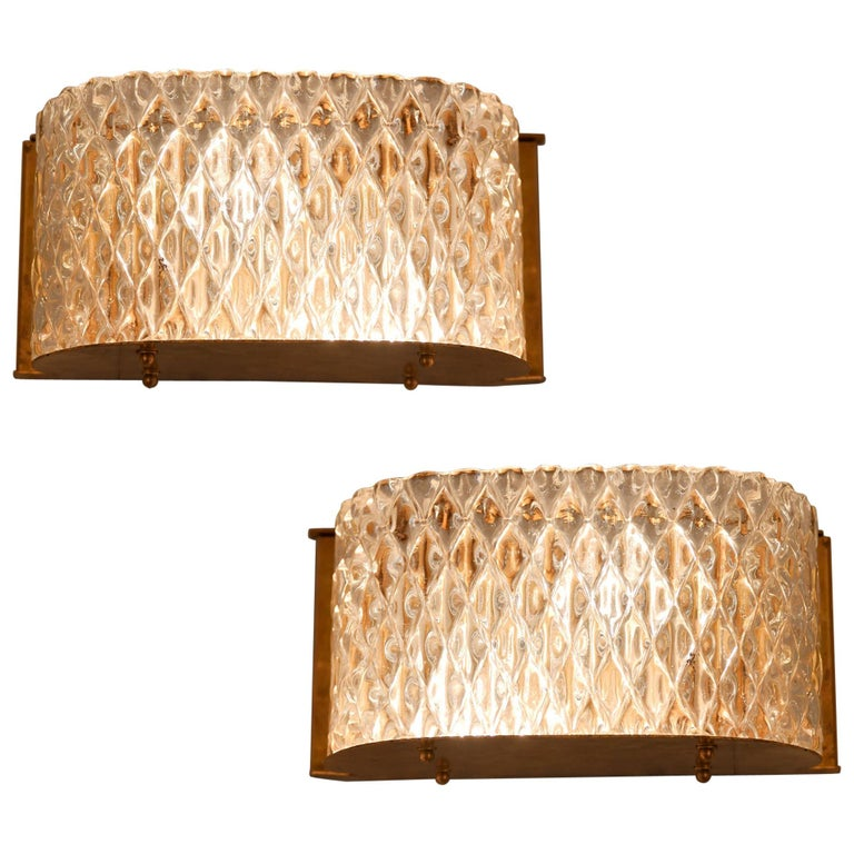 Pair of Italian 1950s Seguso Murano Curved Glass and Brass Wall Lights For Sale