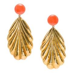 Pair of Italian 1960s Salmon Coral Dangling Leaf Earrings in 18 Karat Gold
