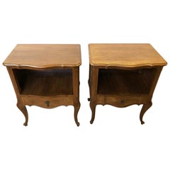 Pair of Italian 1960s Walnut Nightstands, Natural Color, with Shaped Drawer