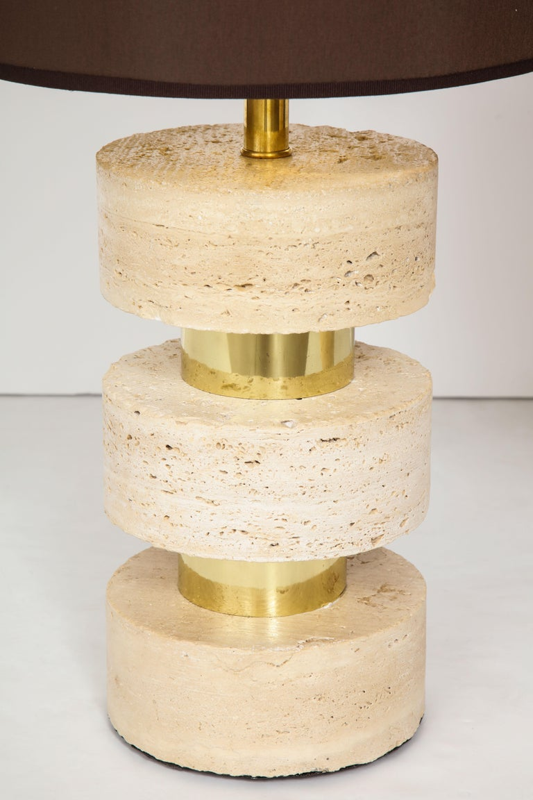 Pair of Italian 1970s Travertine and Brass Table Lamps For Sale 1