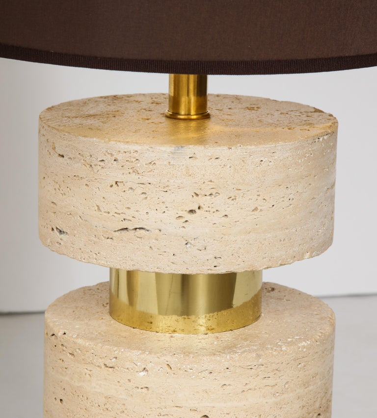 Pair of Italian 1970s Travertine and Brass Table Lamps For Sale 2