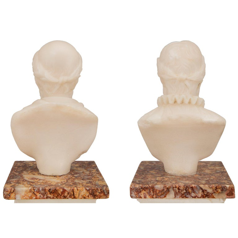 Pair of Italian 19th Century Neoclassical Style Grand Tour Marble Columns For Sale 4