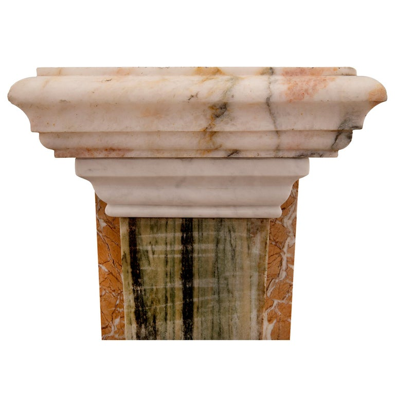 Pair of Italian 19th Century Neoclassical Style Onyx and Marble Pedestal Columns For Sale 2