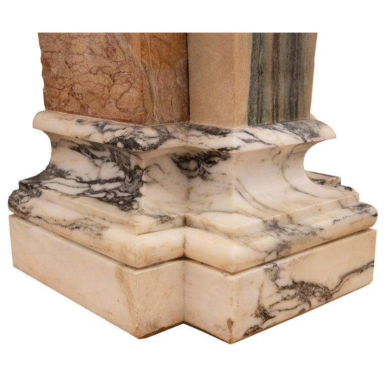 Pair of Italian 19th Century Neoclassical Style Onyx and Marble Pedestal Columns For Sale 4