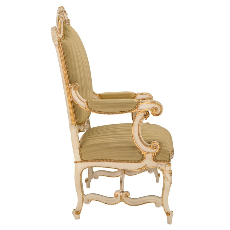 Pair of Italian 19th Century Patinated and Giltwood Venetian Armchairs In Excellent Condition For Sale In West Palm Beach, FL
