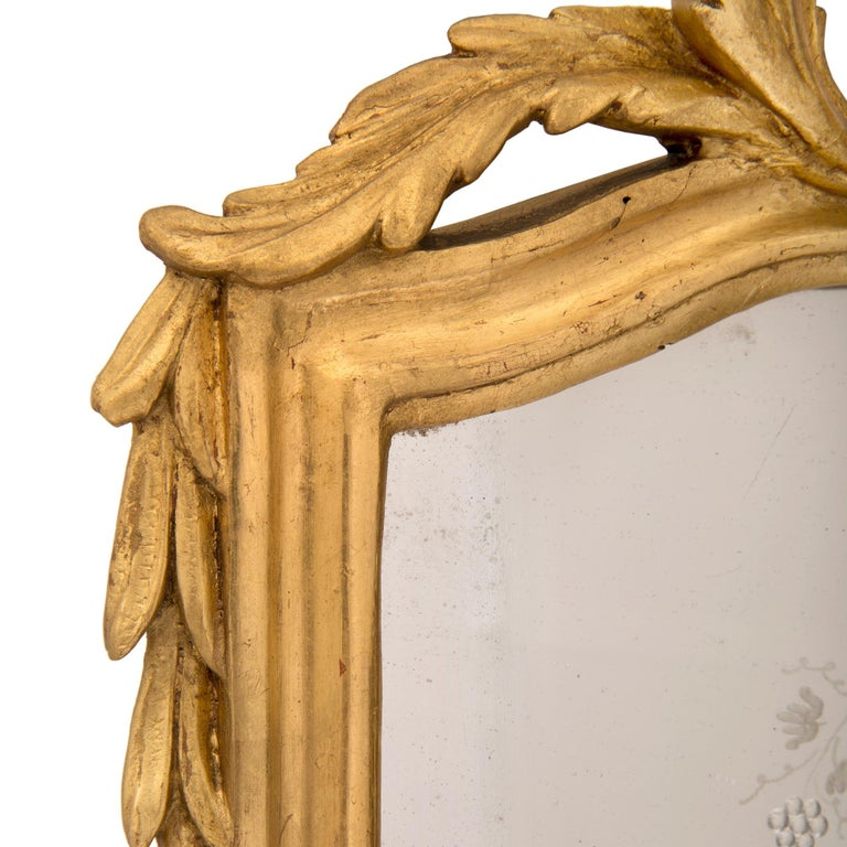 Pair of Italian 19th Century Venetian Style Giltwood Mirrors For Sale 1