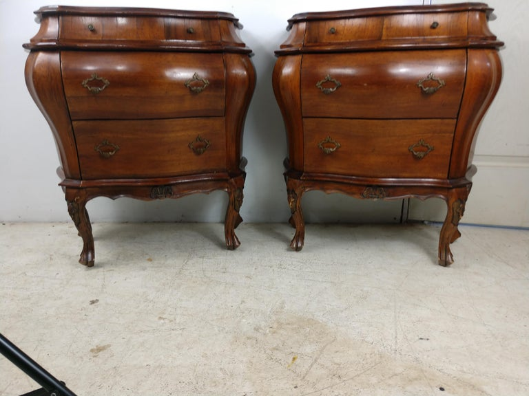 Pair of Italian 3 Drawer Bombe Commodes Night Tables, C1955 For Sale 4
