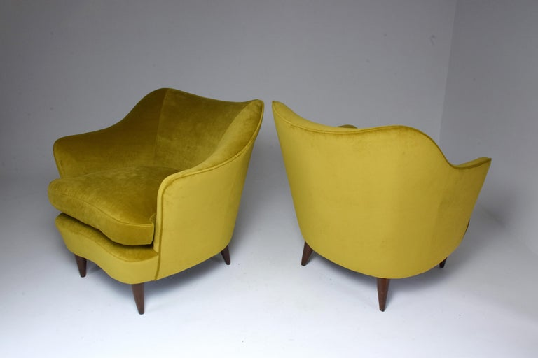 Mid-Century Modern Pair of Italian Armchairs by Gio Ponti for Casa e Giardino, 1930s For Sale