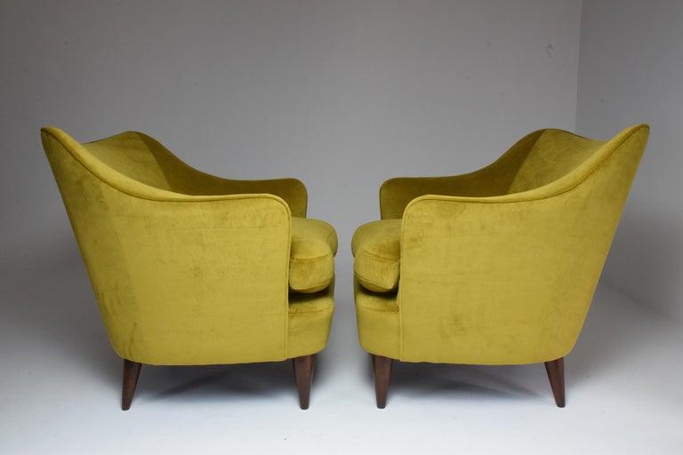 Velvet Pair of Italian Armchairs by Gio Ponti for Casa e Giardino, 1930s For Sale