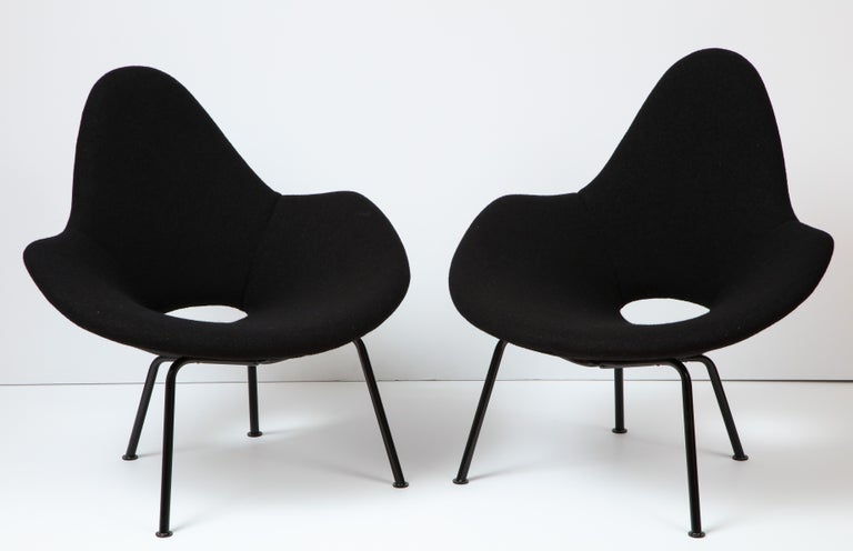 Mid-Century Modern Pair of Italian Armchairs For Sale