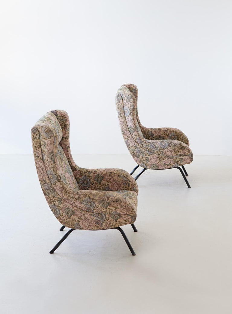 Pair of Italian Armchairs In Fair Condition For Sale In Rome, IT