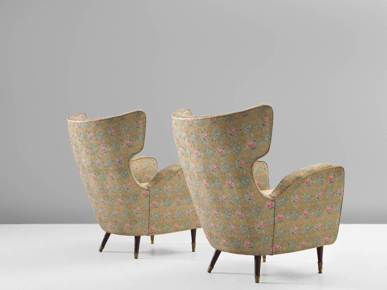 Mid-Century Modern Pair of Italian Armchairs in Floral Upholstery For Sale