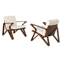 Pair of Italian Armchairs of the 20th Century in White Cotton and Walnut Wood