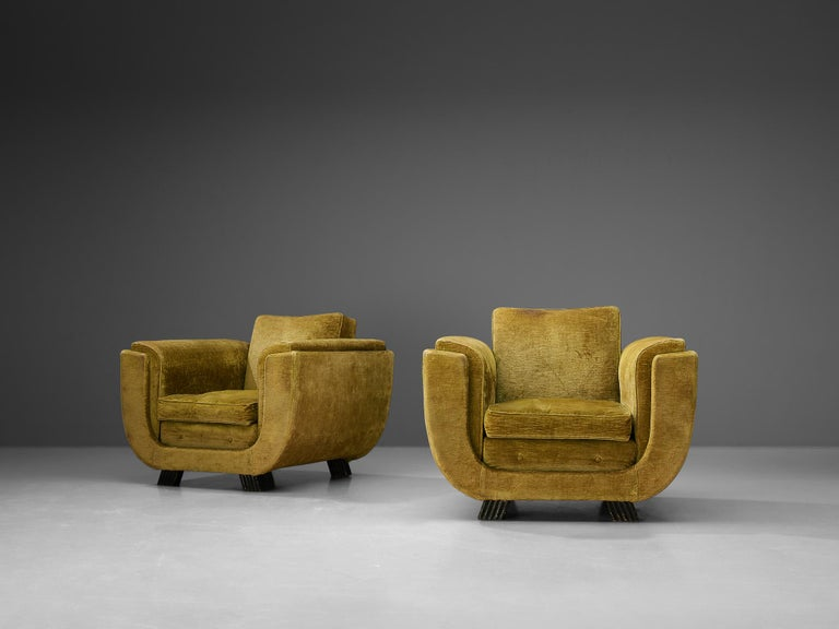 Mid-20th Century Pair of Italian Art Deco Armchairs with Curved Frame For Sale