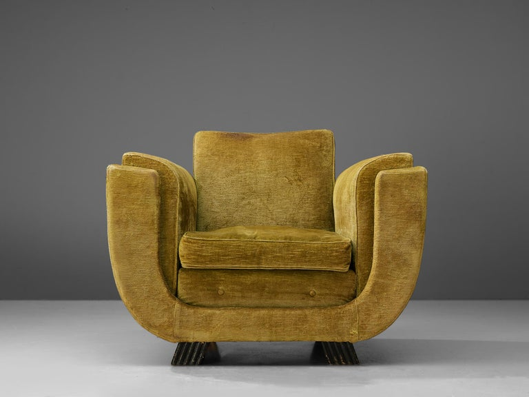 Pair of Italian Art Deco Armchairs with Curved Frame For Sale 3