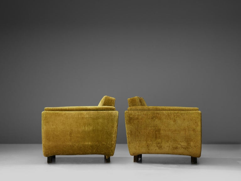 Pair of Italian Art Deco Armchairs with Curved Frame For Sale 4