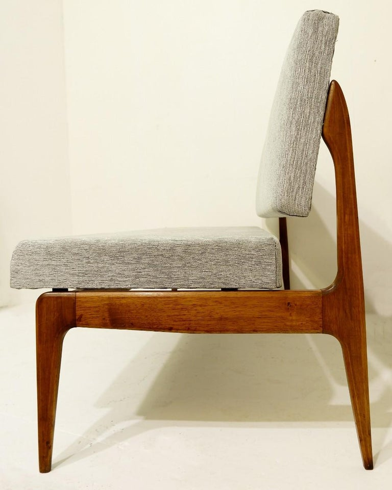 Mid-Century Modern Pair of Italian Banquettes For Sale