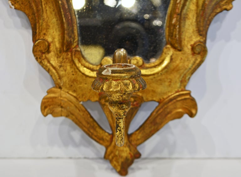 Hand-Carved Pair of Italian Baroque Style Carved Giltwood Mirror Wall Sconces, Mid 20th C. For Sale