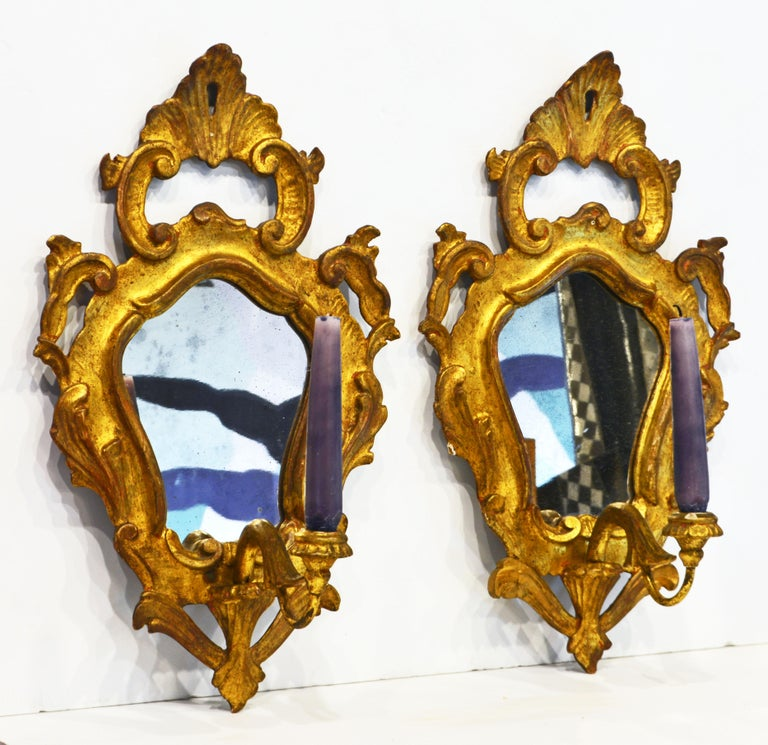 Pair of Italian Baroque Style Carved Giltwood Mirror Wall Sconces, Mid 20th C. For Sale 2