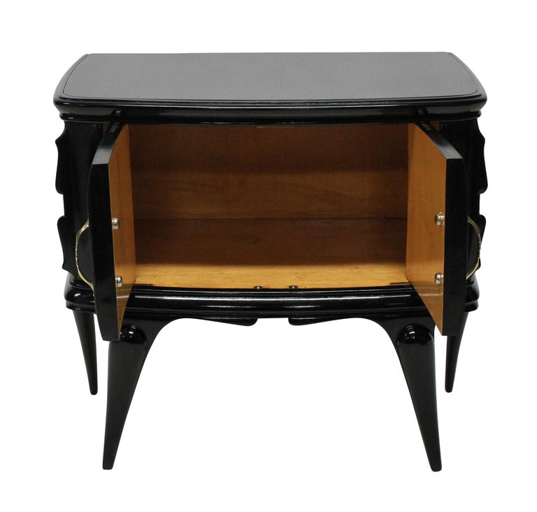 Pair of Italian Black Lacquered Midcentury Nightstands In Good Condition For Sale In London, GB
