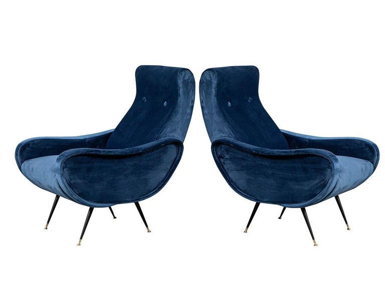 Mid-Century Modern Pair of Italian Blue Velvet Lounge Chairs Attributed to Zanuso Style For Sale