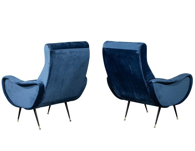 Late 20th Century Pair of Italian Blue Velvet Lounge Chairs Attributed to Zanuso Style For Sale