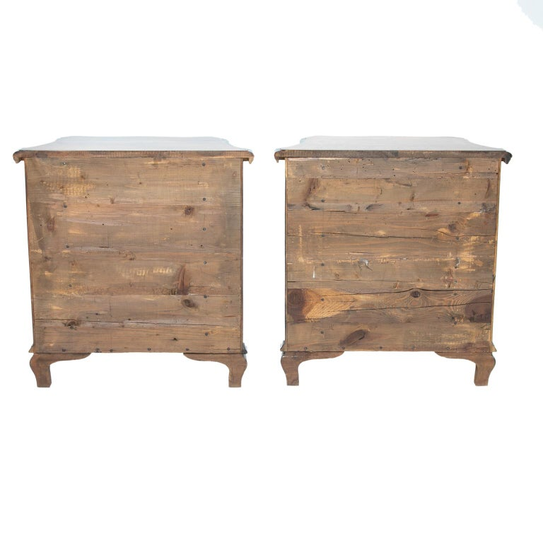 Pair of Italian Burl Wood Side Chest In Good Condition For Sale In Brentwood, TN