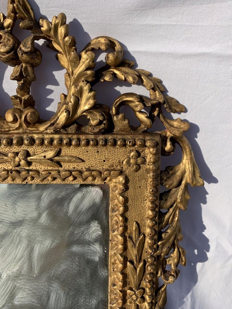 Pair of Italian Carved Gilded Mirrors, Italy, 18th Century, Rome Venice Glass In Good Condition For Sale In Varmo, IT