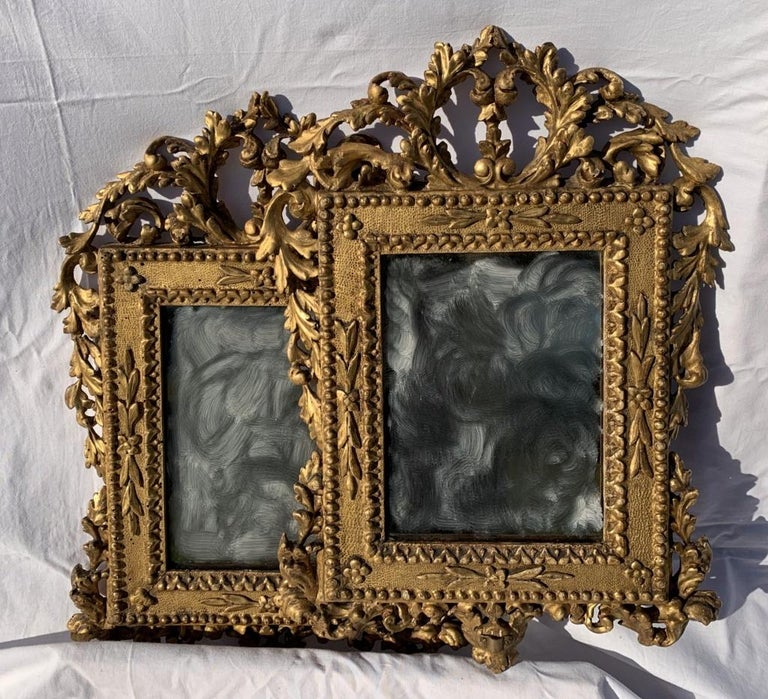 Pair of Italian Carved Gilded Mirrors, Italy, 18th Century, Rome Venice Glass For Sale 3