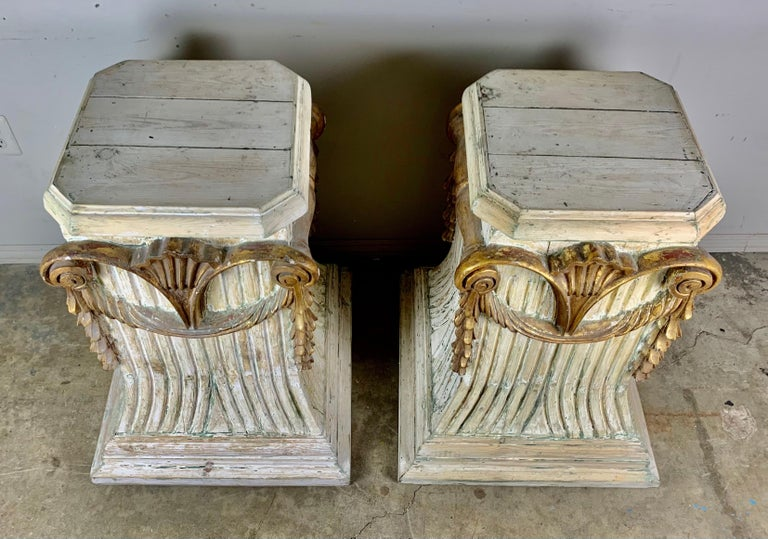 Pair of Italian Carved Painted and Parcel Gilt Pedestals For Sale 3