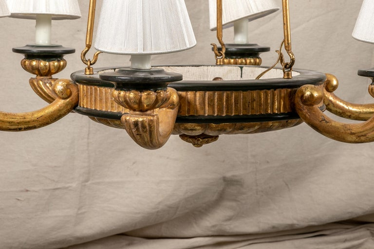 Neoclassical Pair of Italian Classical Style Chandeliers For Sale