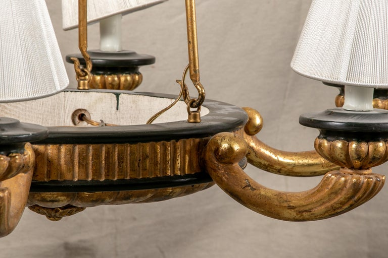 20th Century Pair of Italian Classical Style Chandeliers For Sale