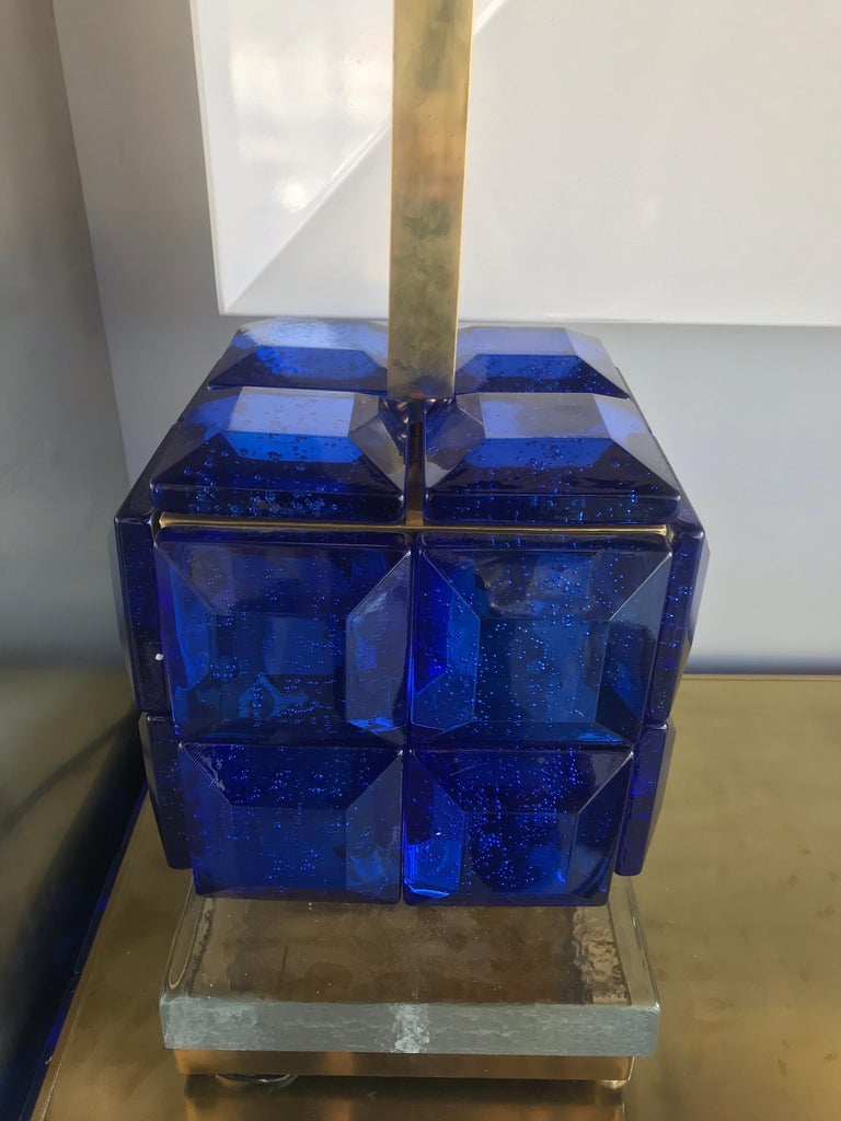 Pair of Italian Cobalt Blue Glass and Brass Table Lamps In Good Condition For Sale In Miami, FL
