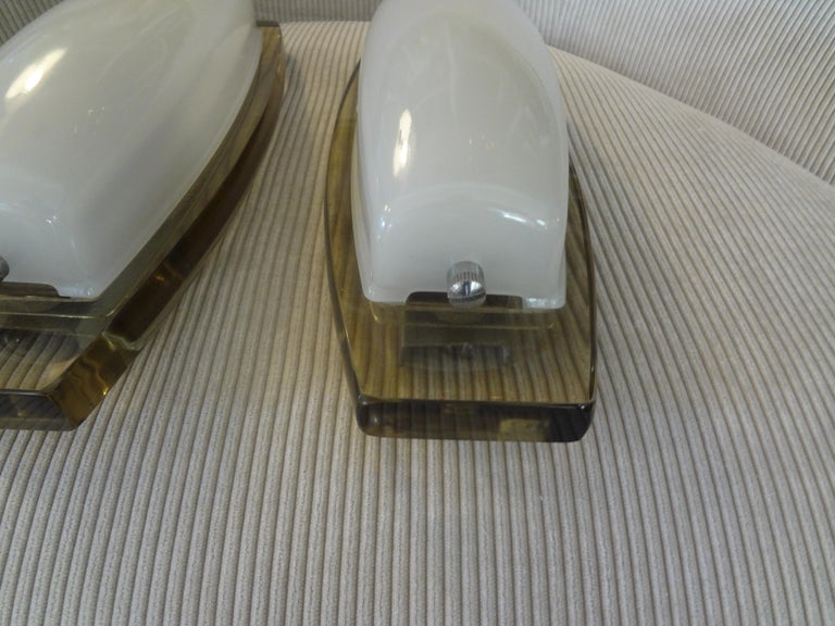 Pair of Italian Fontana Arte Style Glass Sconces In Good Condition For Sale In Houston, TX