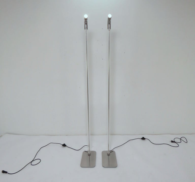 Post-Modern Pair of Italian Foscarini Floor Lamps in Glass and Aluminum For Sale