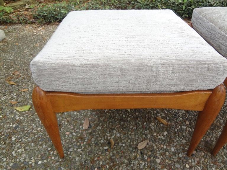 Mid-Century Modern Pair of Italian Gio Ponti Inspired Midcentury Walnut Benches For Sale