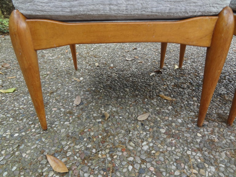 Pair of Italian Gio Ponti Inspired Midcentury Walnut Benches In Good Condition For Sale In Houston, TX