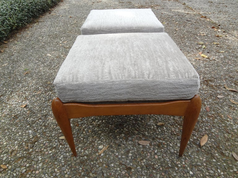 Chenille Pair of Italian Gio Ponti Inspired Midcentury Walnut Benches For Sale