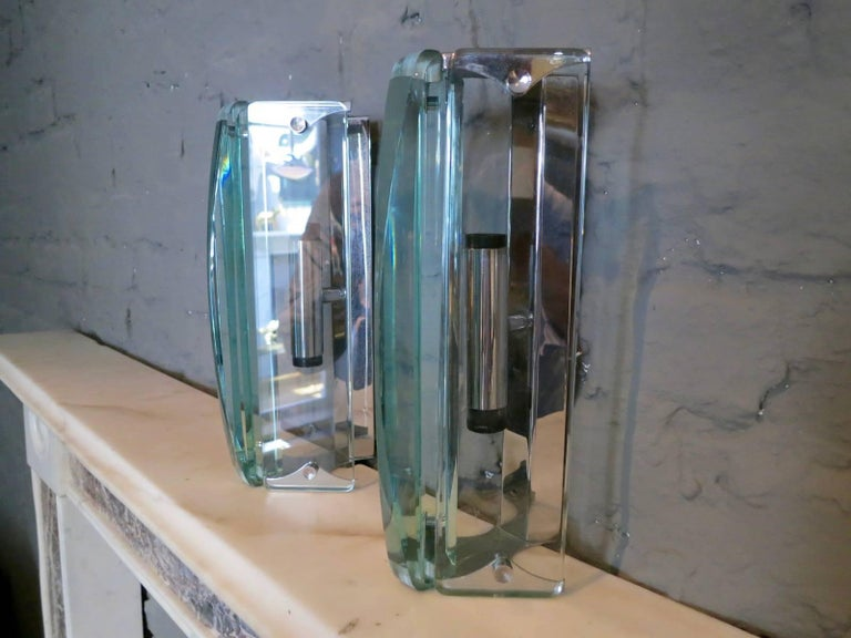 Pair of Italian Glass Wall Sconces In Good Condition For Sale In London, GB